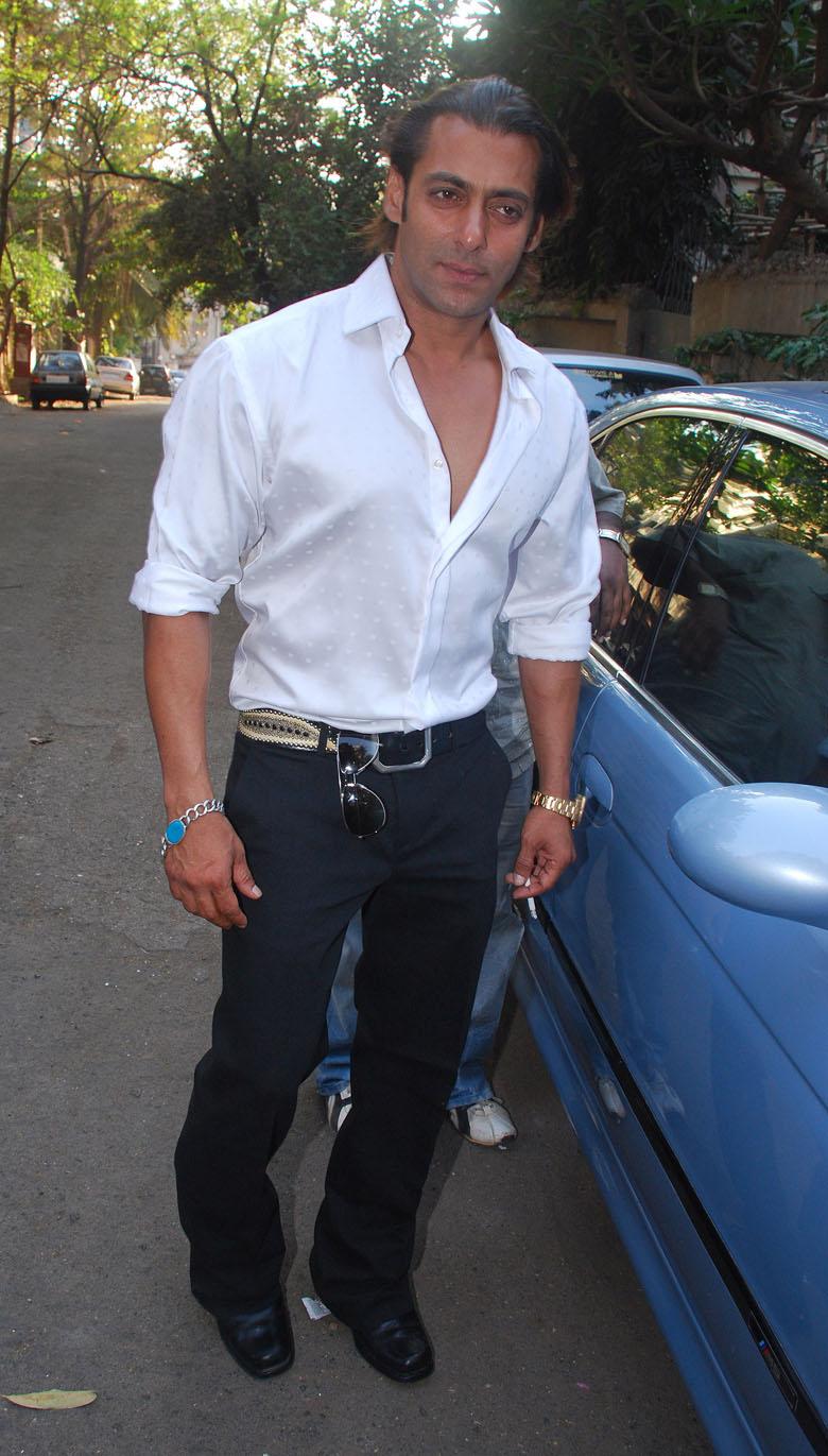 Salman Khan Wedding Photos Salman khan poses after