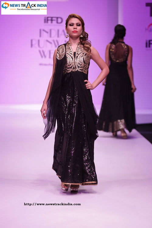Rosy Ahluwalia and KAvita Gogna Collection at India Runway Week 2014