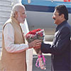 PM Modi being welcomed by the Governor of Maharashtra